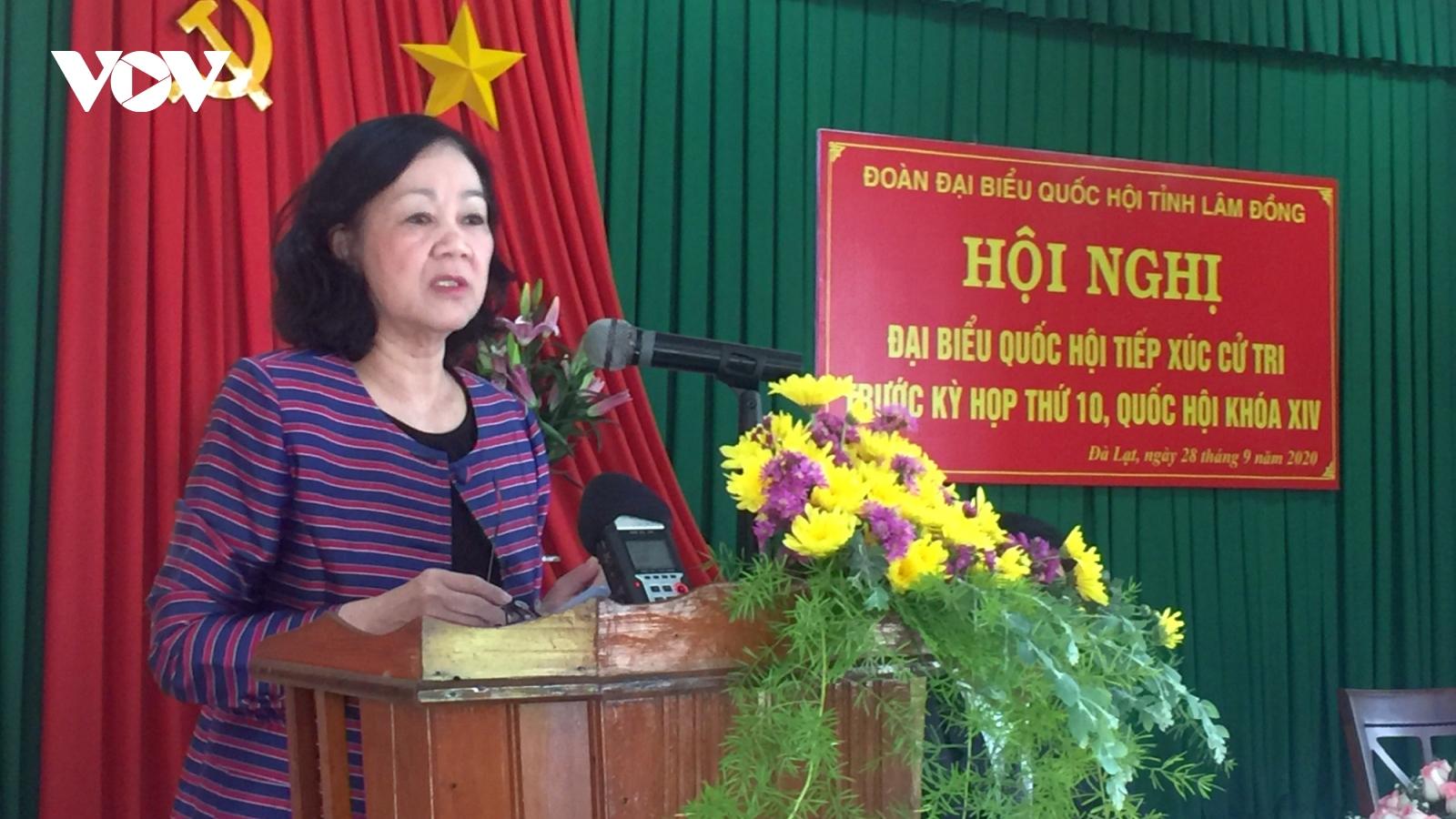 Trưởng ban dân vận Trung ương Trương Thị Mai tiếp xúc cử tri tại Lâm Đồng