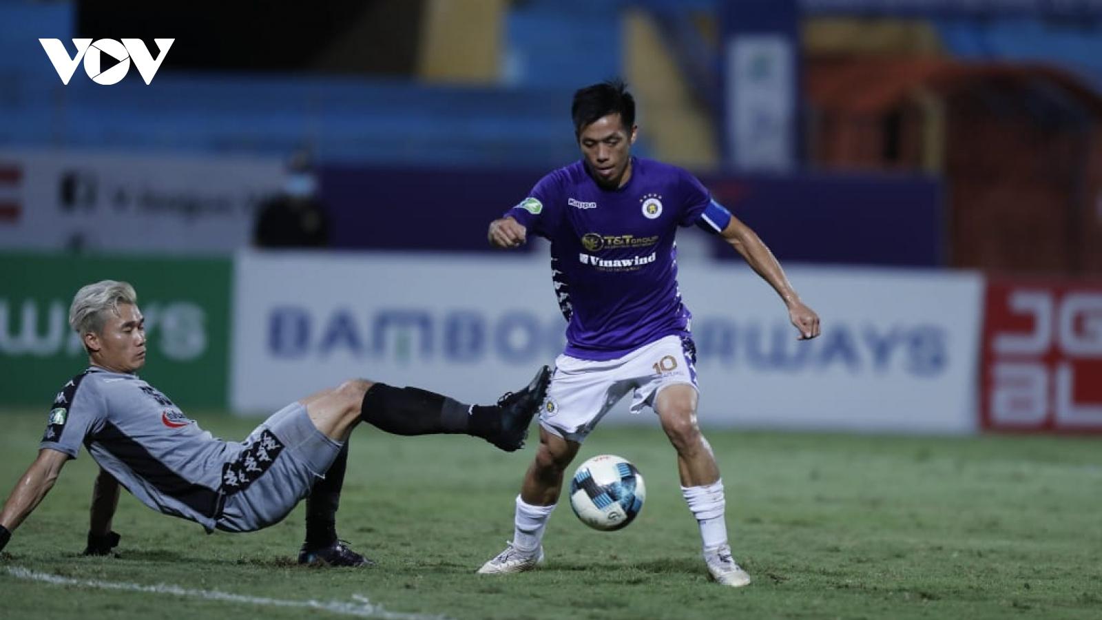 Toàn cảnh Hà Nội FC 5-1 TPHCM: Cơn ác mộng của thủ môn Bùi Tiến Dũng
