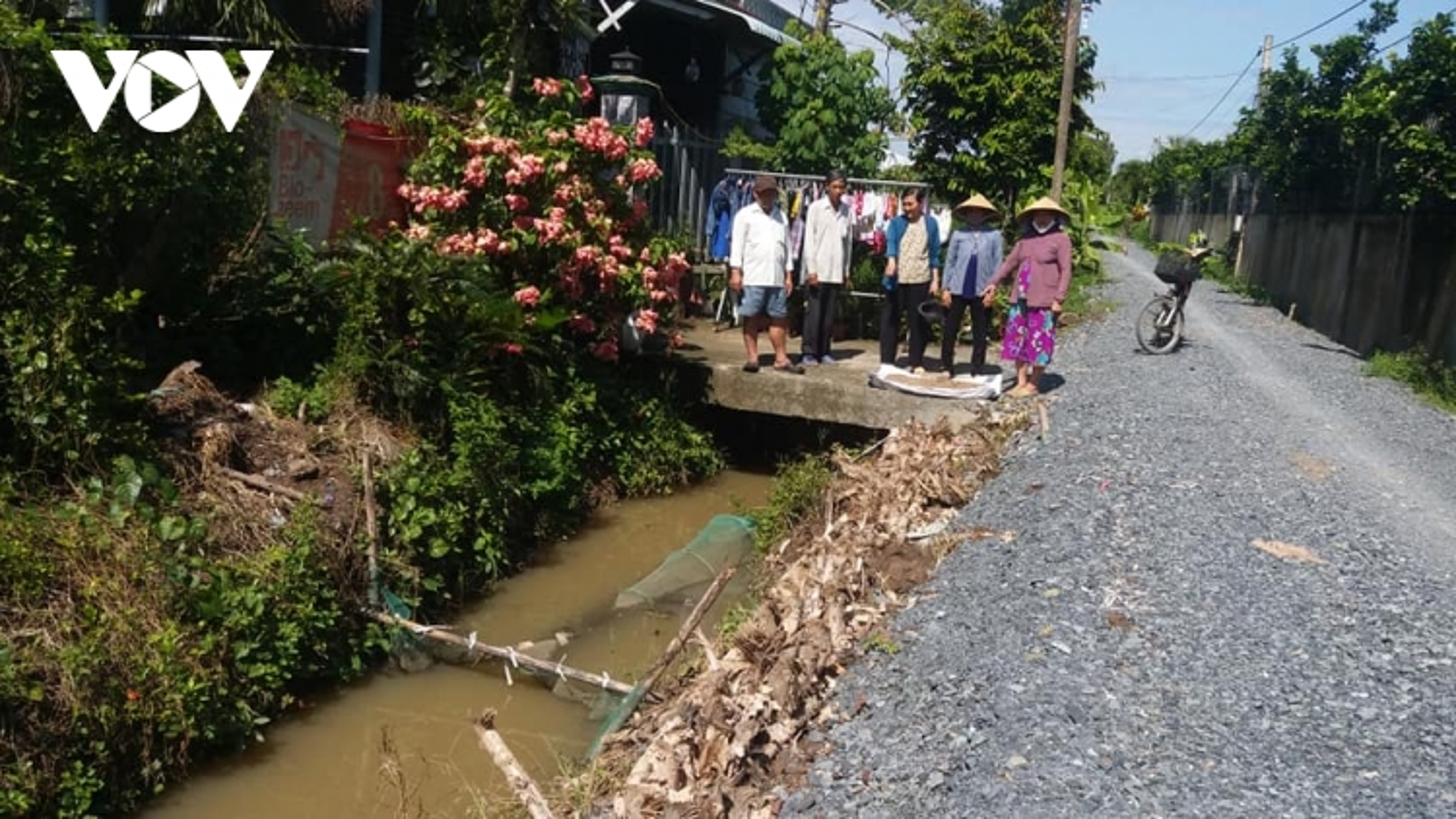Nhiều nông dân Tiền Giang bức xúc vì chưa được nạo vét kênh mương phòng chống hạn mặn