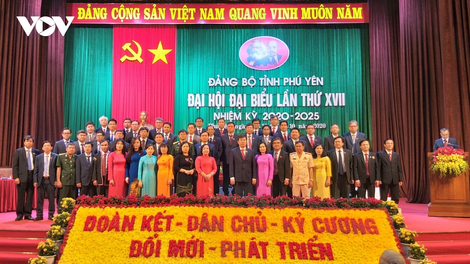 Bế mạc Đại hội Đảng bộ tỉnh Phú Yên: Hướng tới phú cường và yên bình
