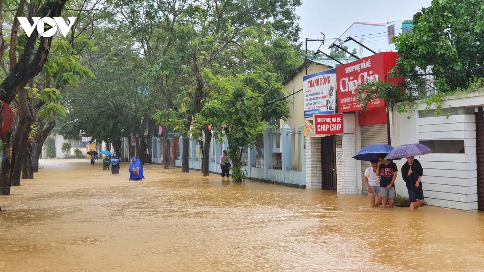 Miền Trung lại đối mặt với đợt mưa đặc biệt lớn trên diện rộng
