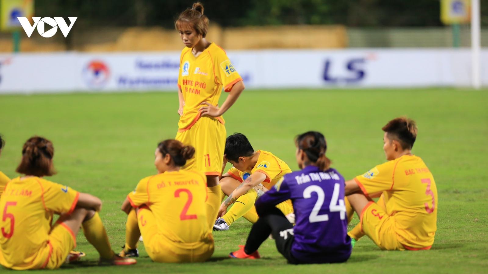Bức xúc trọng tài, đội nữ Hà Nam bỏ ngang trận đấu ở giải bóng đá nữ VĐQG 2020