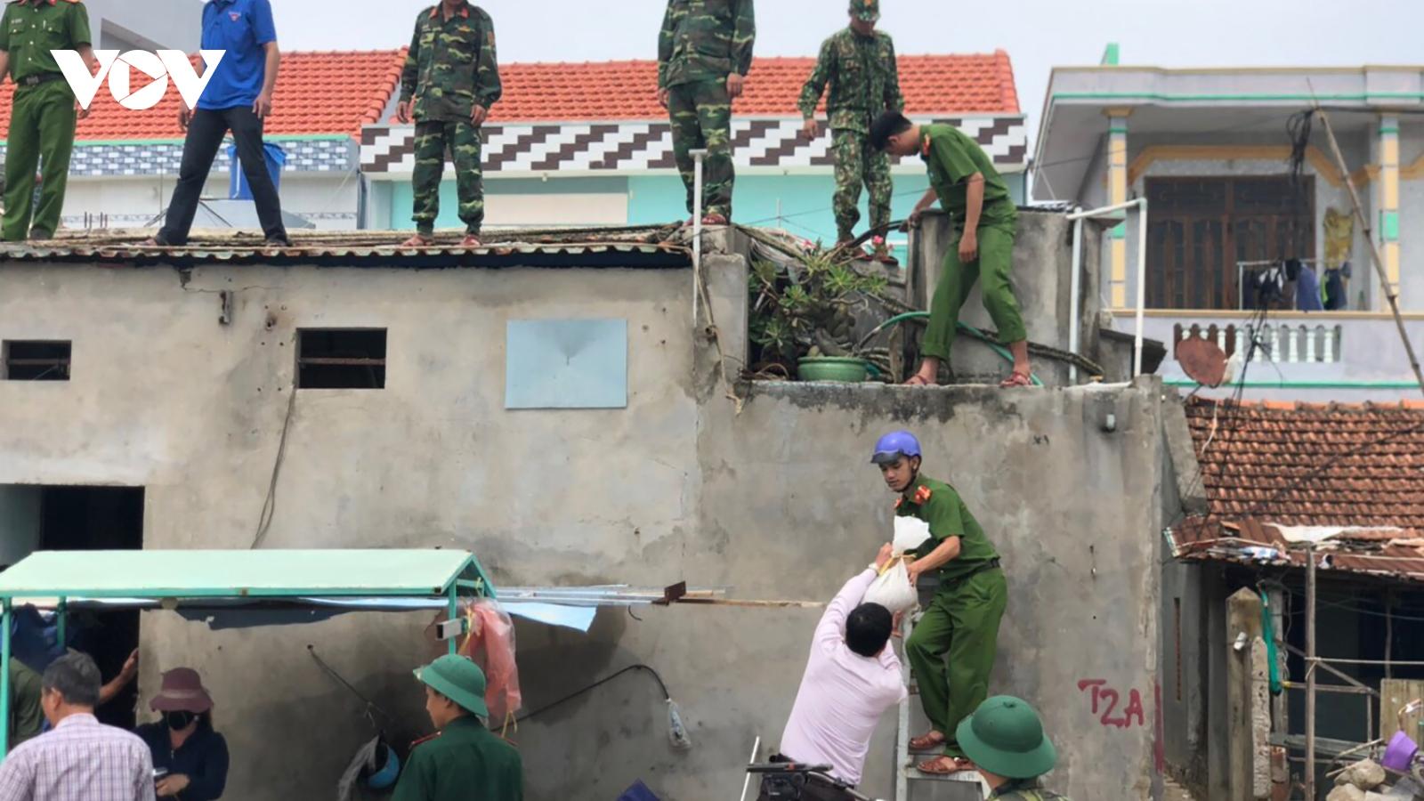 Bình Định thành lập các đơn vị trực bão xuyên đêm