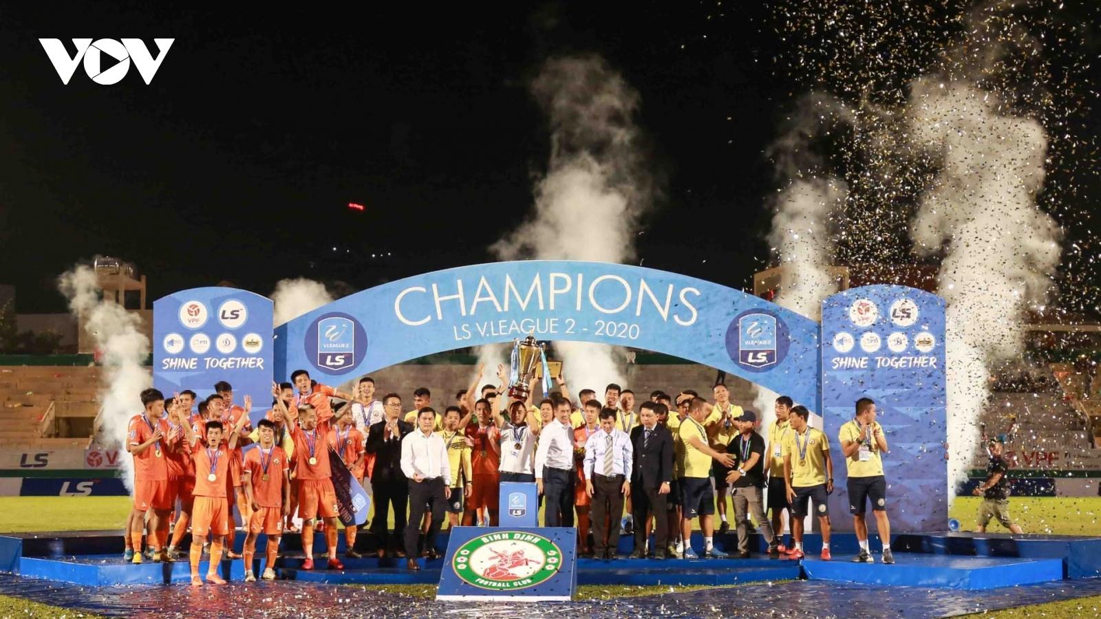 Sân Quy Nhơn bùng nổ cảm xúc trong ngày Bình Định trở lại với V-League
