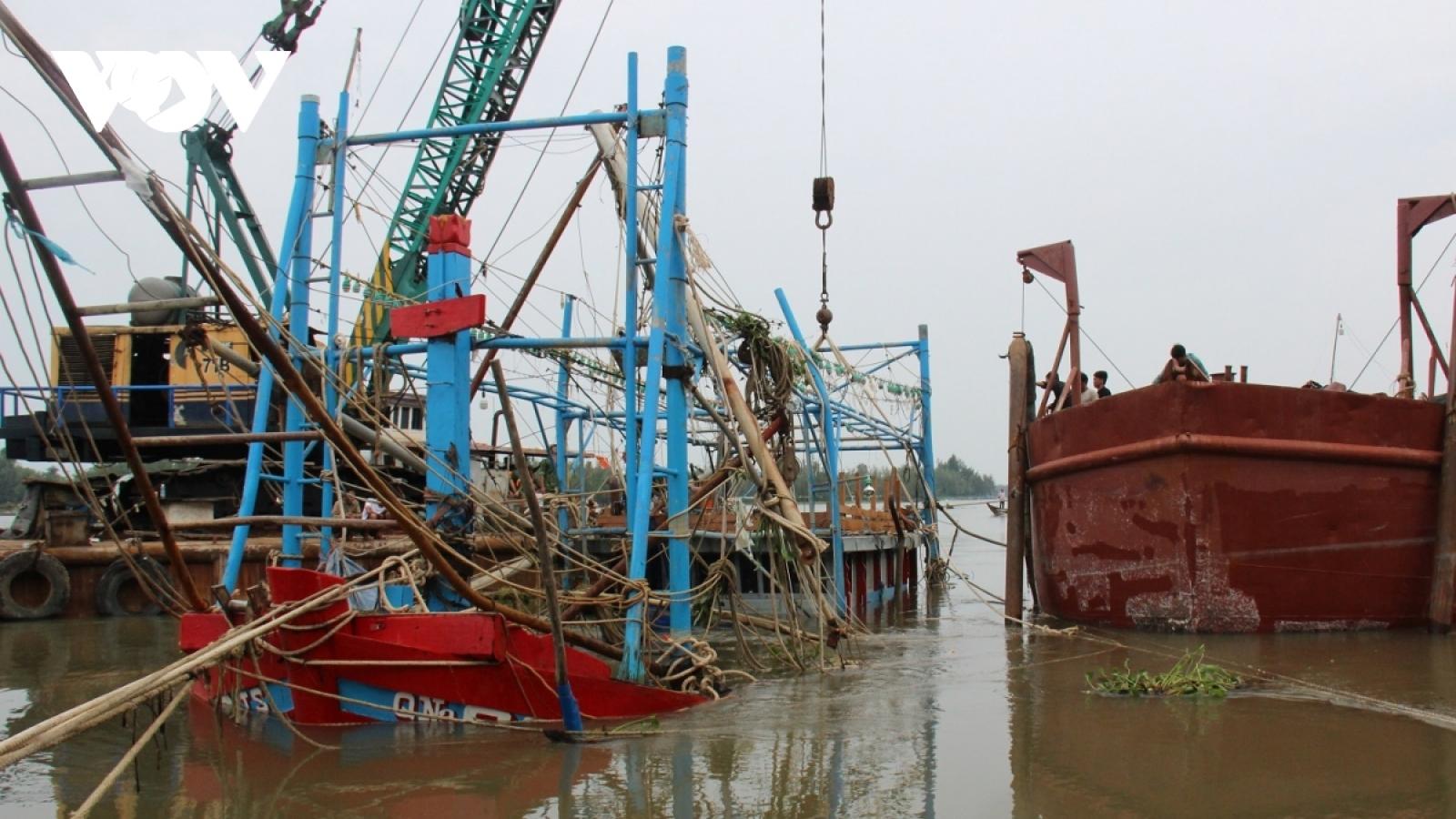 Các tỉnh miền Trung đã có 44 người chết do mưa lũ