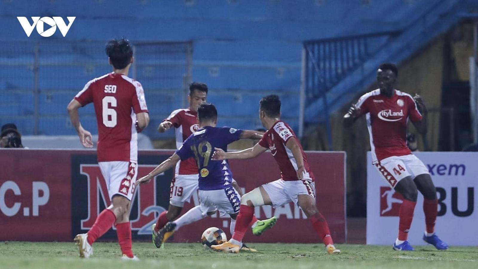 Văn Quyết - Quang Hải lập công, Hà Nội FC lần thứ 4 ca khúc khải hoàn trước TPHCM