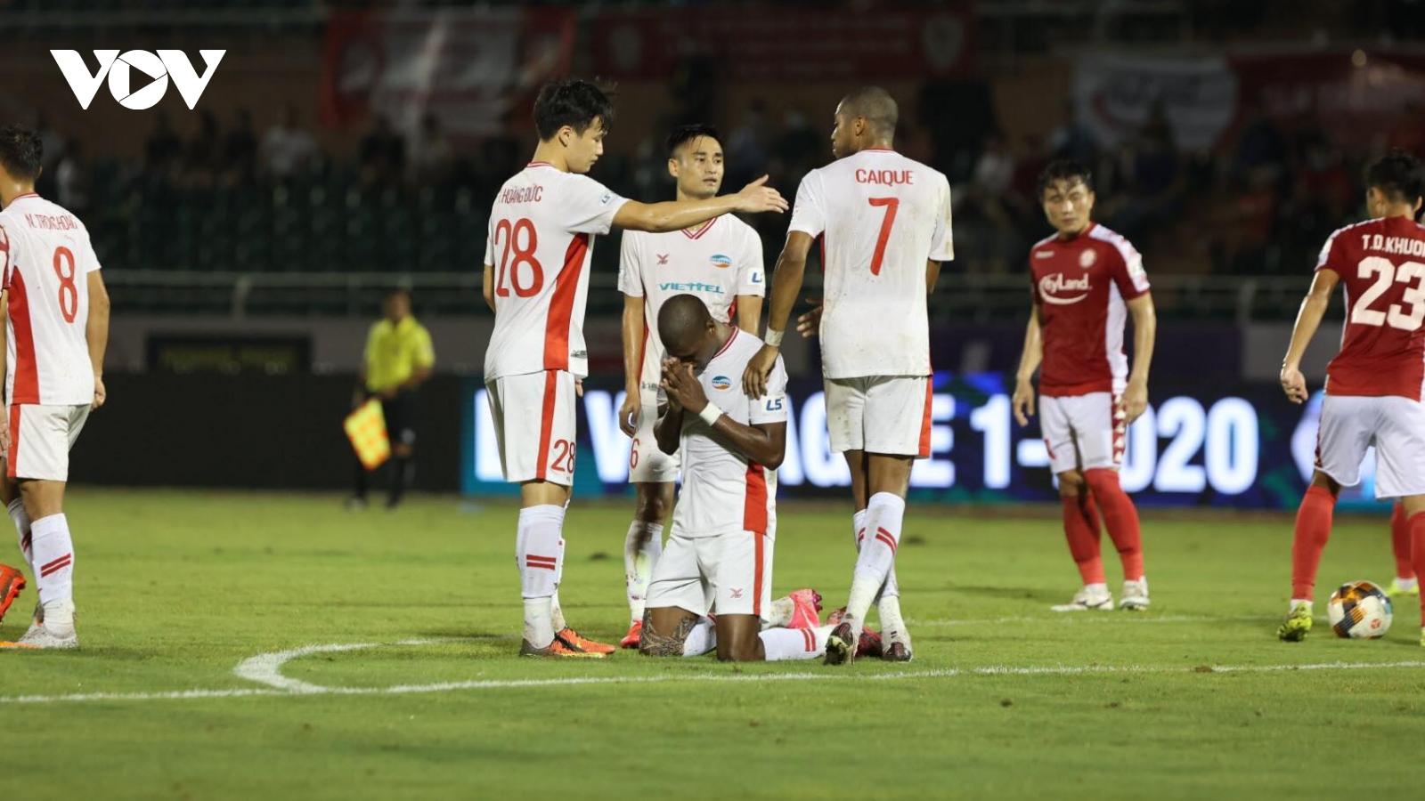 Đánh bại CLB TPHCM trên sân khách, Viettel lên ngôi đầu bảng V-League 2020
