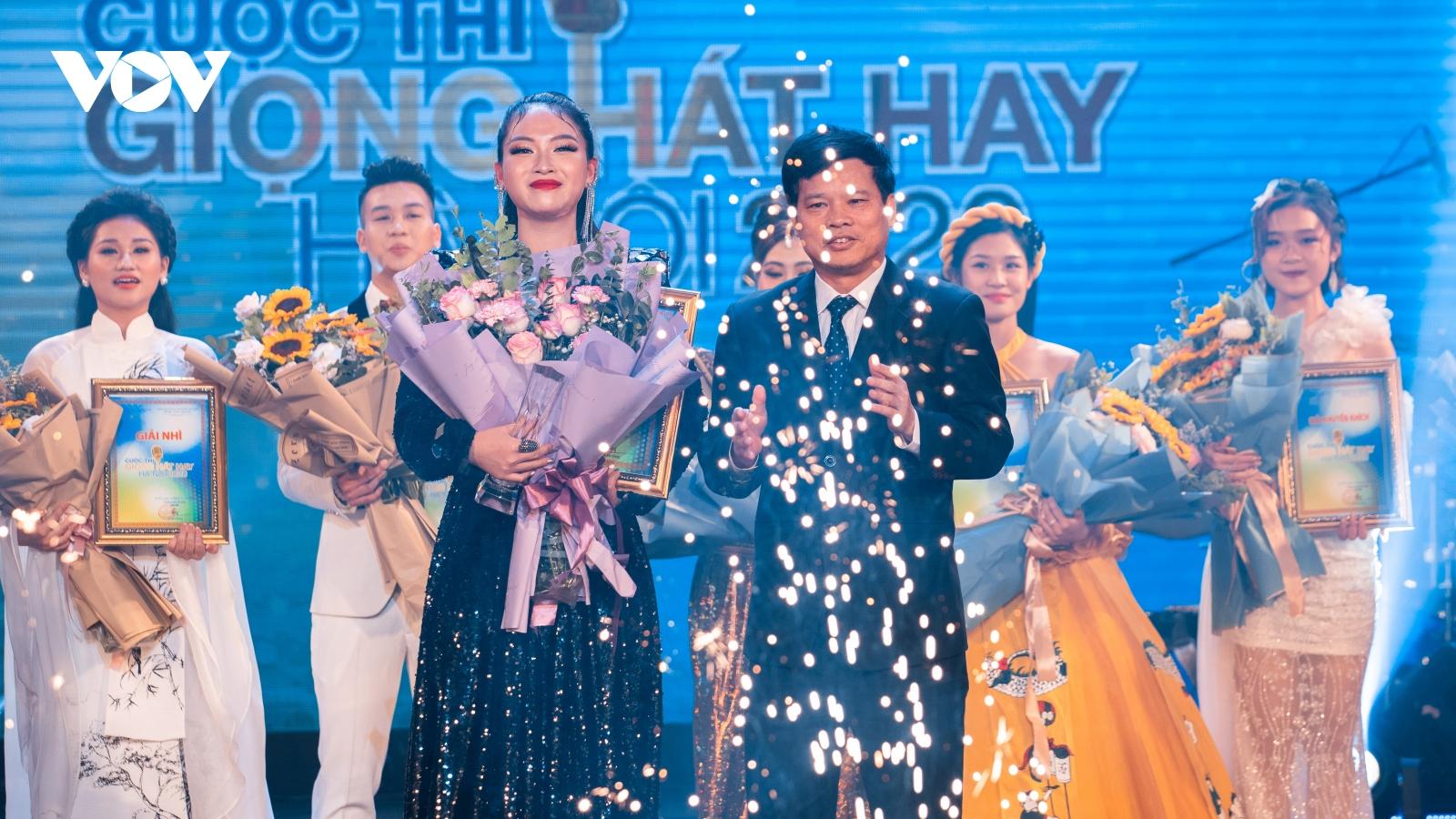"""Bùi Dương Thái Hà lên ngôi Quán quân """"Giọng hát hay Hà Nội 2020"""""""