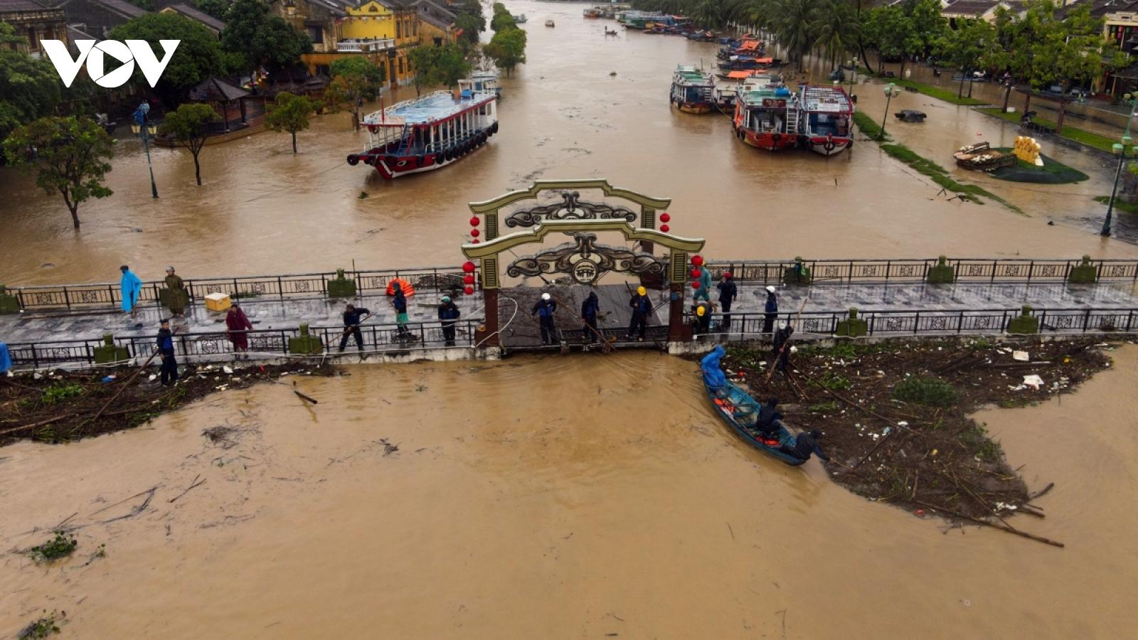 Giáo hội Phật giáo VN vận động cứu trợ các tỉnh lũ lụt miền Trung
