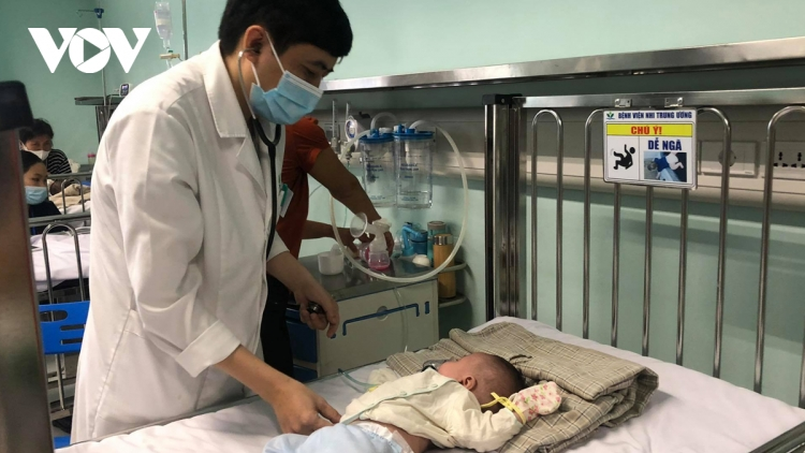 Nhiều trẻ nguy cơ biến chứng khi mắc virus hợp bào hô hấp (RSV)