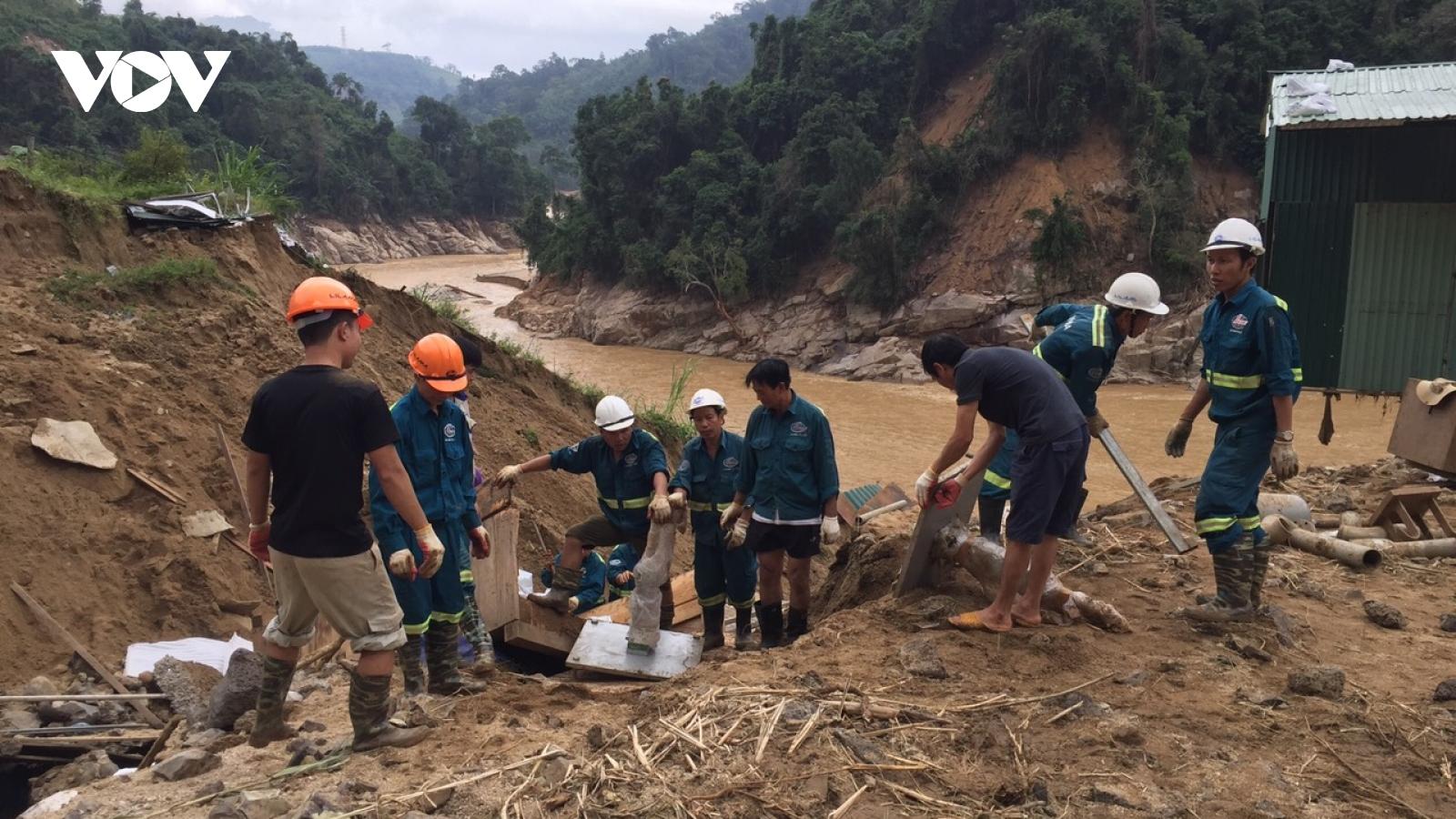 Quảng Nam đề nghị tiếp tế lương thực 2 xã bị cô lập ở Phước Sơn bằng đường không