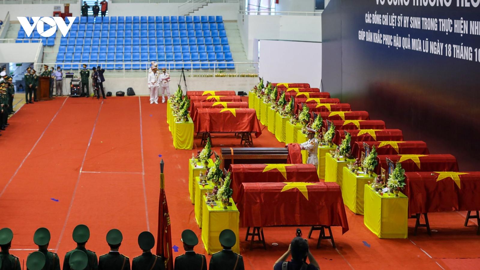Xúc động lễ viếng 22 cán bộ, chiến sĩ Đoàn KTQP 337 hy sinh tại Quảng Trị