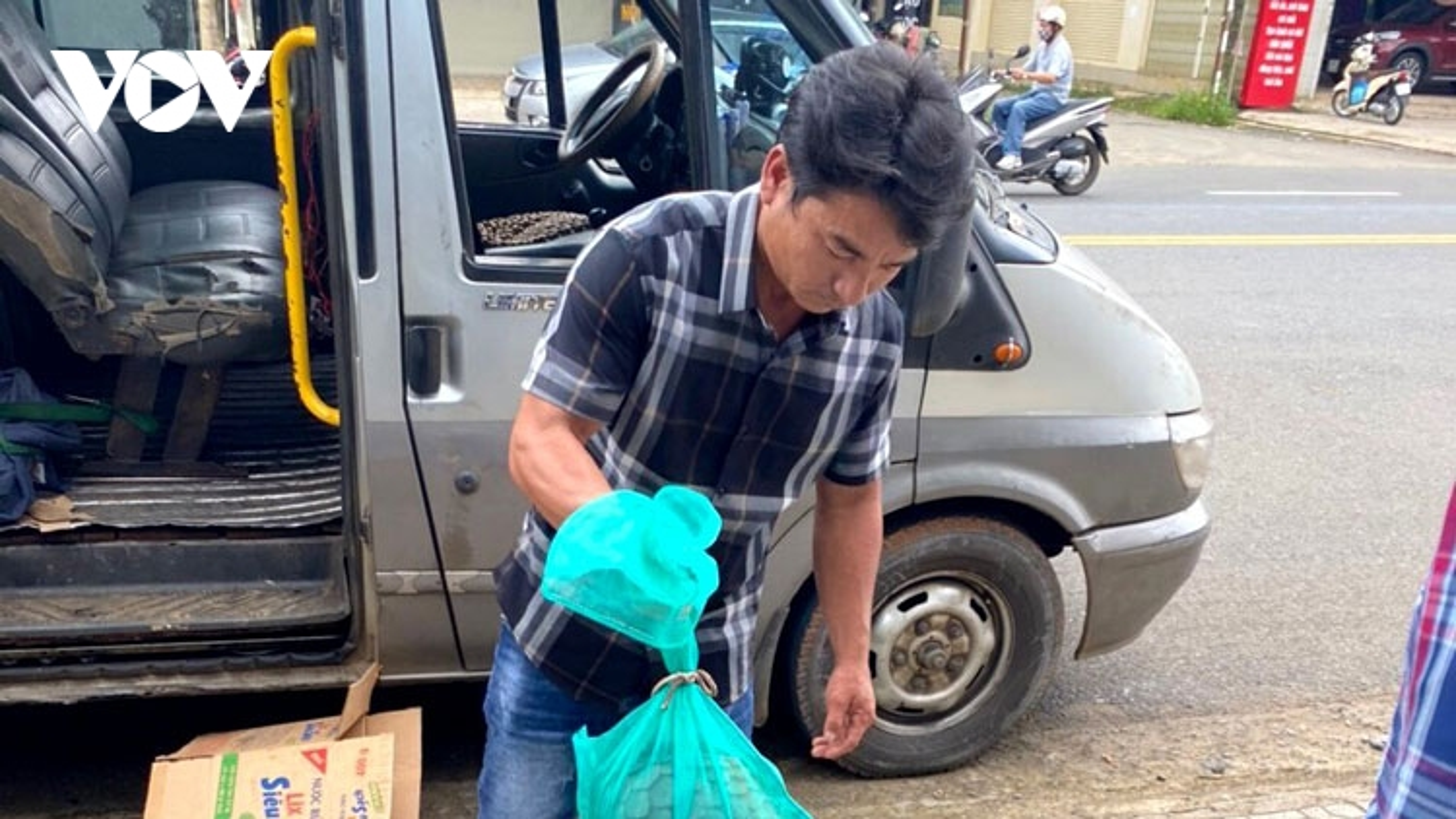 Lâm Đồng bắt xe khách chở động vật hoang dã quý hiếm