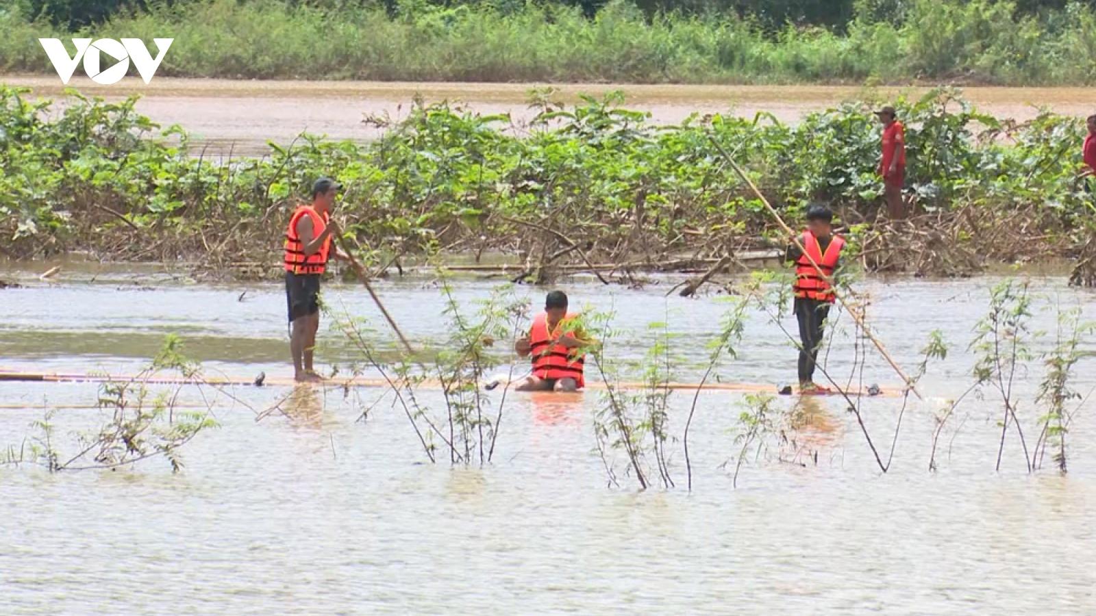 Đã tìm thấy 2 người bị nước lũ cuốn trôi ở Bình Phước
