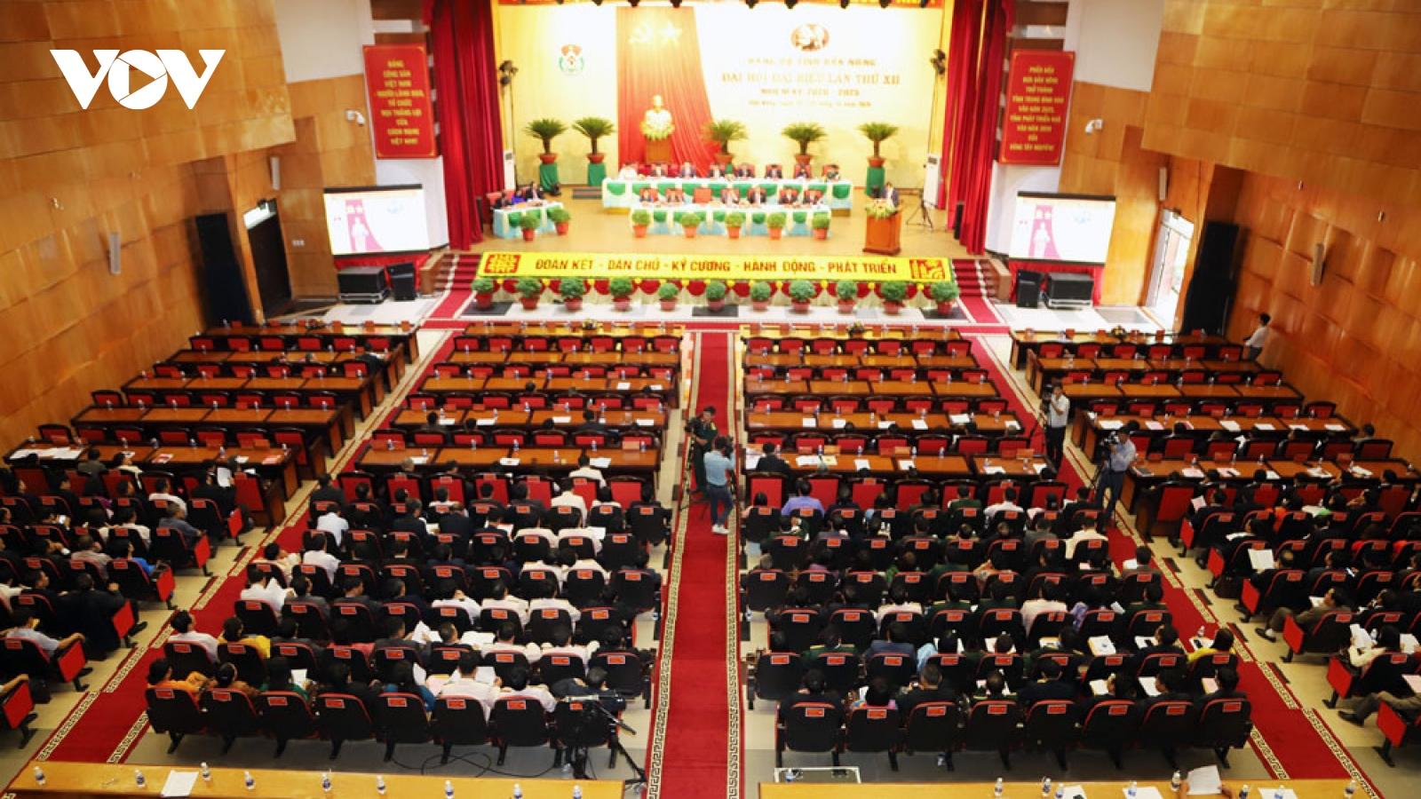 Ông Nguyễn Văn Bình dự và chỉ đạo Đại hội Đảng bộ tỉnh Đắk Nông