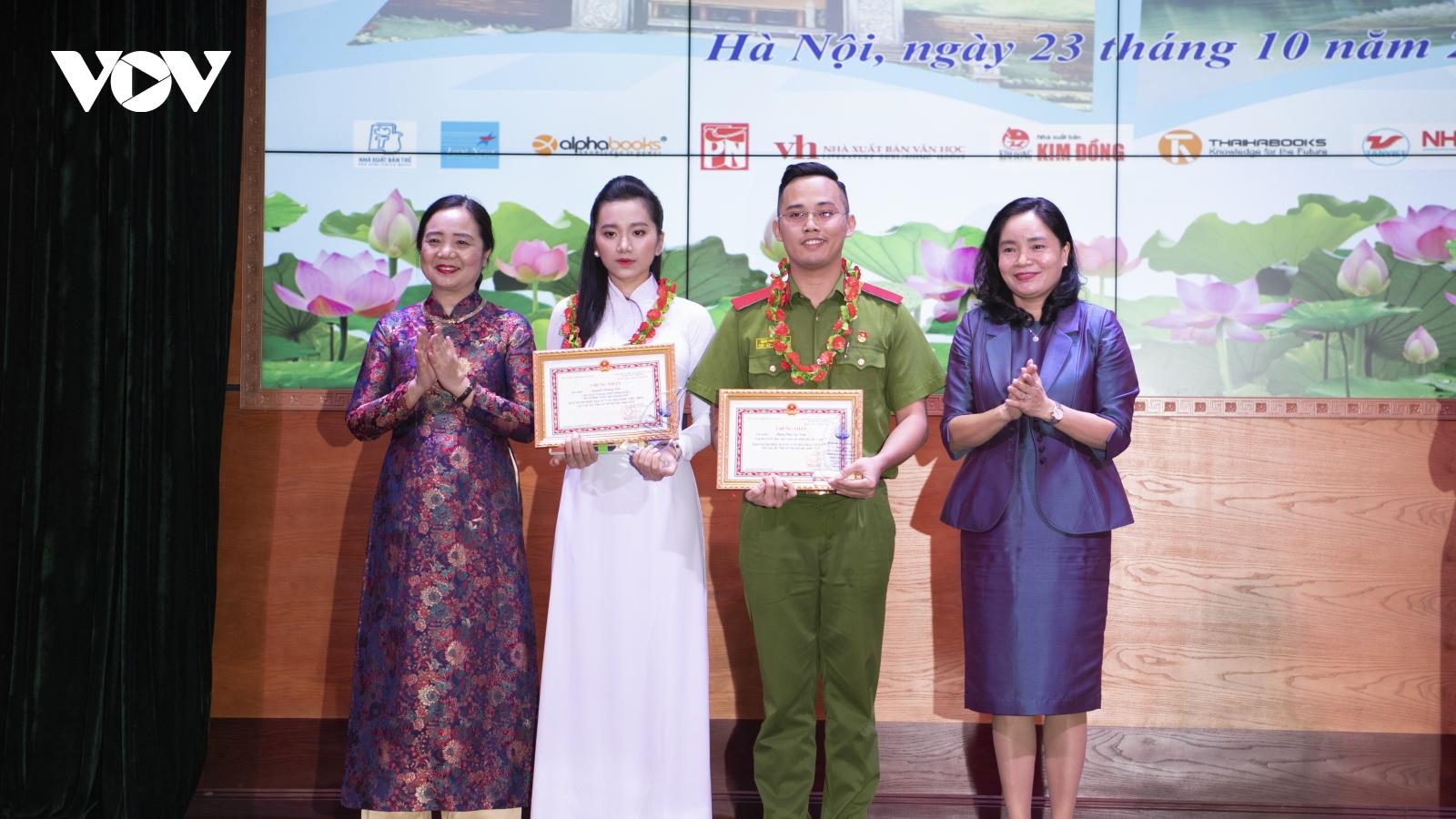Trao giải cuộc thi và công bố Đại sứ văn hoá đọc 2020