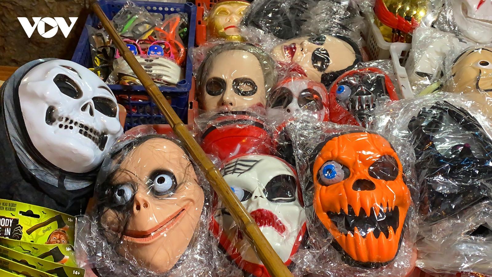 Đồ hóa trang Halloween càng ma quái càng hút khách