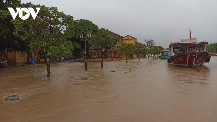 UNESCO tourist site Hoi An submerged by rising floodwater