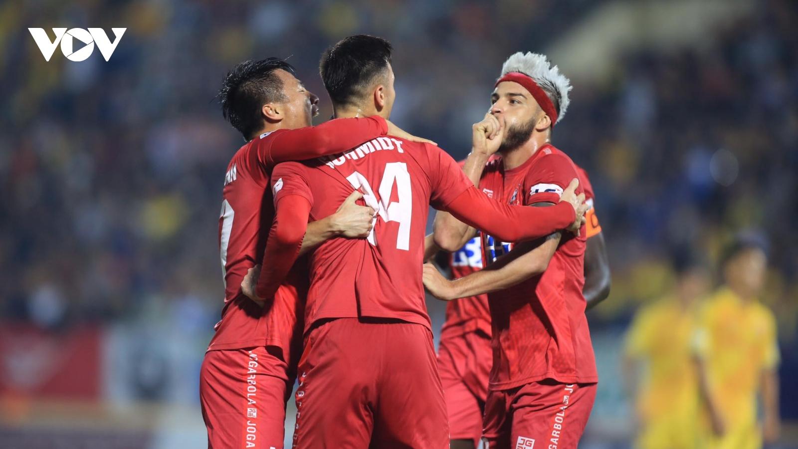 Thắng Nam Định ngay tại Thiên Trường, Hải Phòng chính thức trụ hạng ở V-League 2020