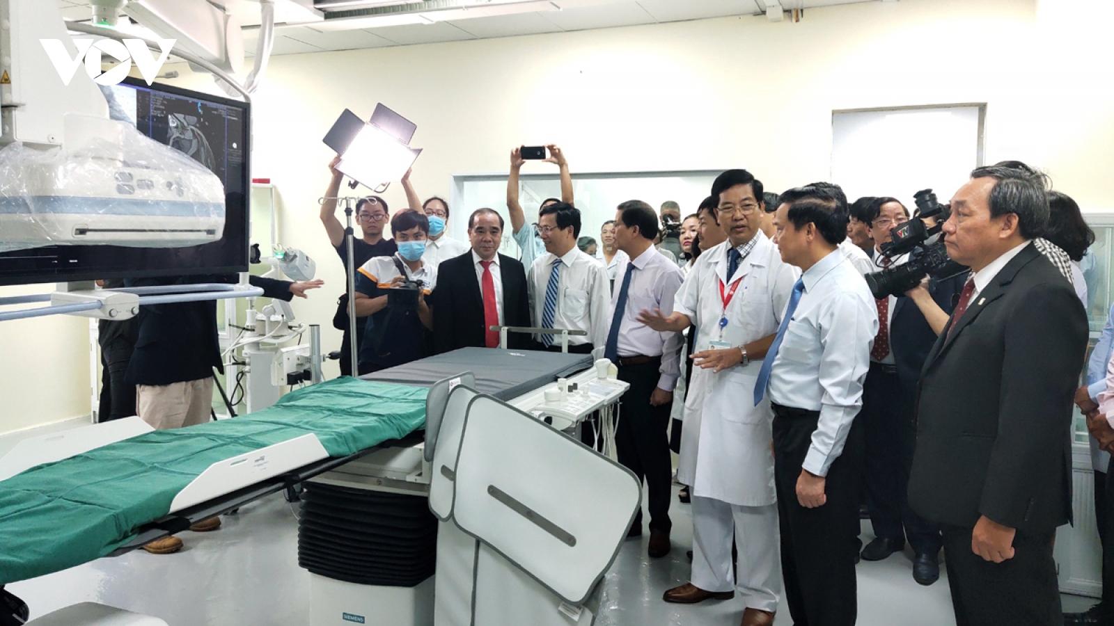 Bệnh viện Đa khoa Khánh Hòa đưa vào sử dụngmáy chụp mạch máu xóa nền