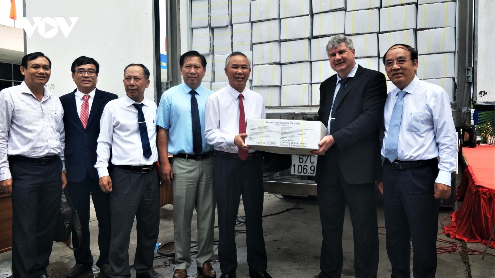 An Giang xuất khẩu lô hàng cá tra sản xuất theo quy trình công nghệ cao