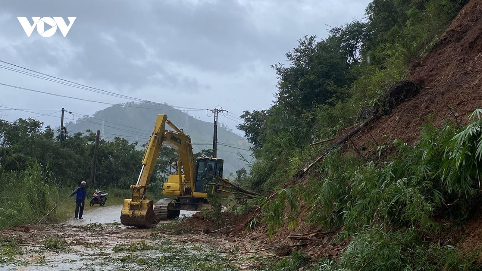 Kon Tum nỗ lực khắc phục hậu quả mưa lũ, không để hộ dân nào phải đói rét