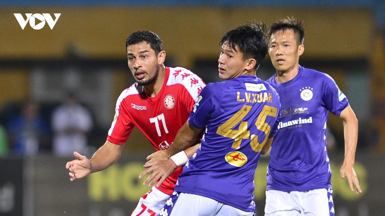 """Hà Nội FC mất """"mũi khoan trái"""" ở trận đấu với Hà Tĩnh"""
