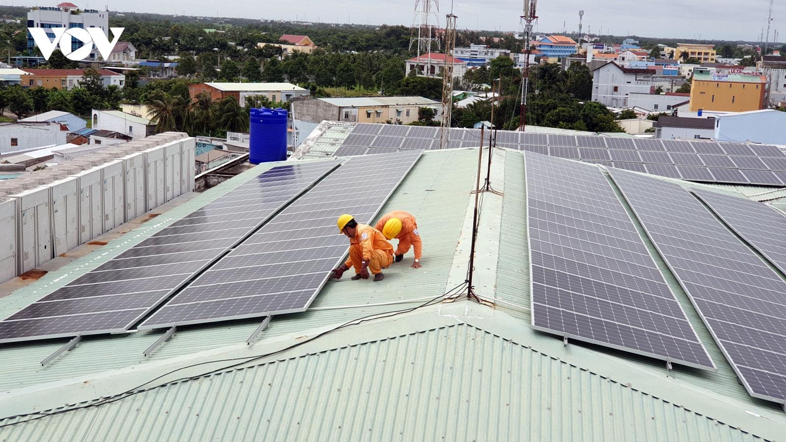 Điện mặt trời mái nhà đang phát triển mạnh mẽ tại phía Nam