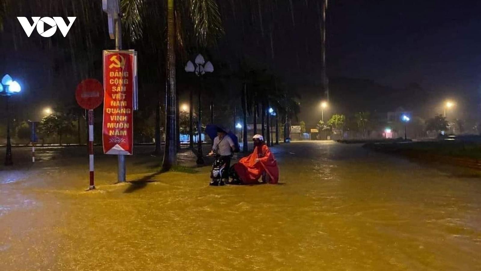 Nhiều thủy điện xả lũ, một số địa phương ở Nghệ An đã ngập