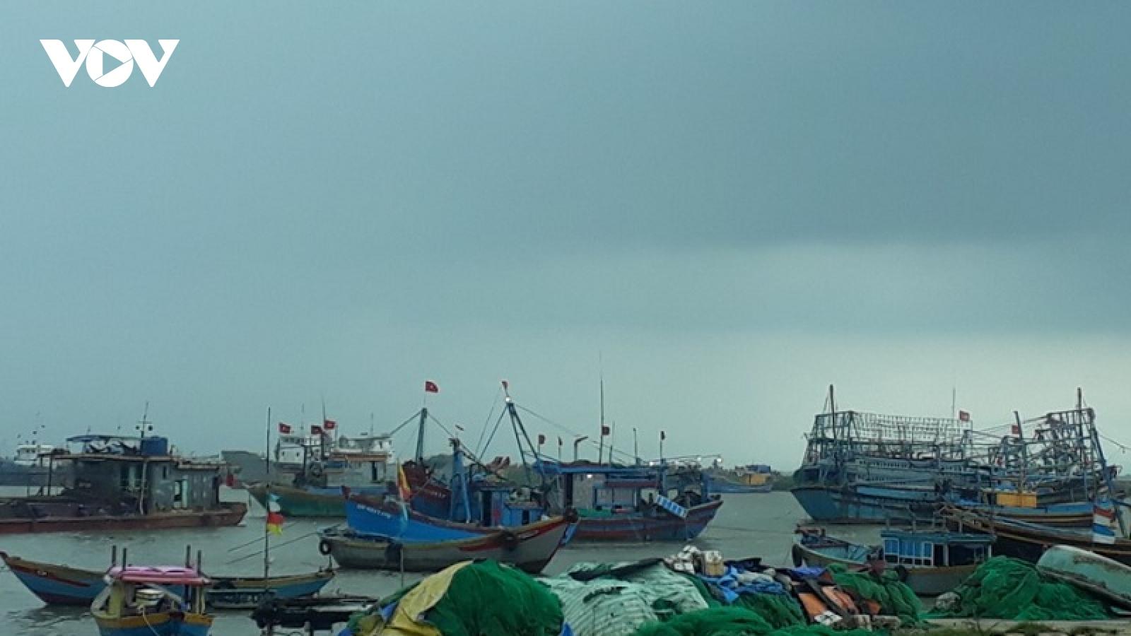 Ninh Thuận nghiêm cấm tàu thuyền ra khơi kể từ 14h ngày 27/10