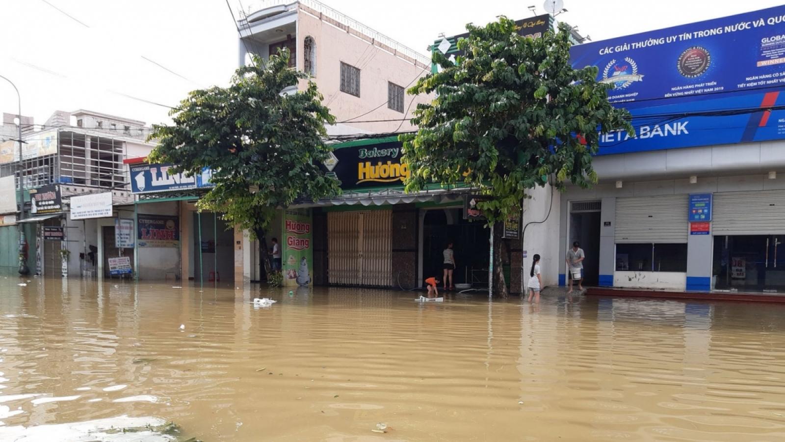 Thống kê thiệt hại do mưa lũ nặng nề ở Miền Trung