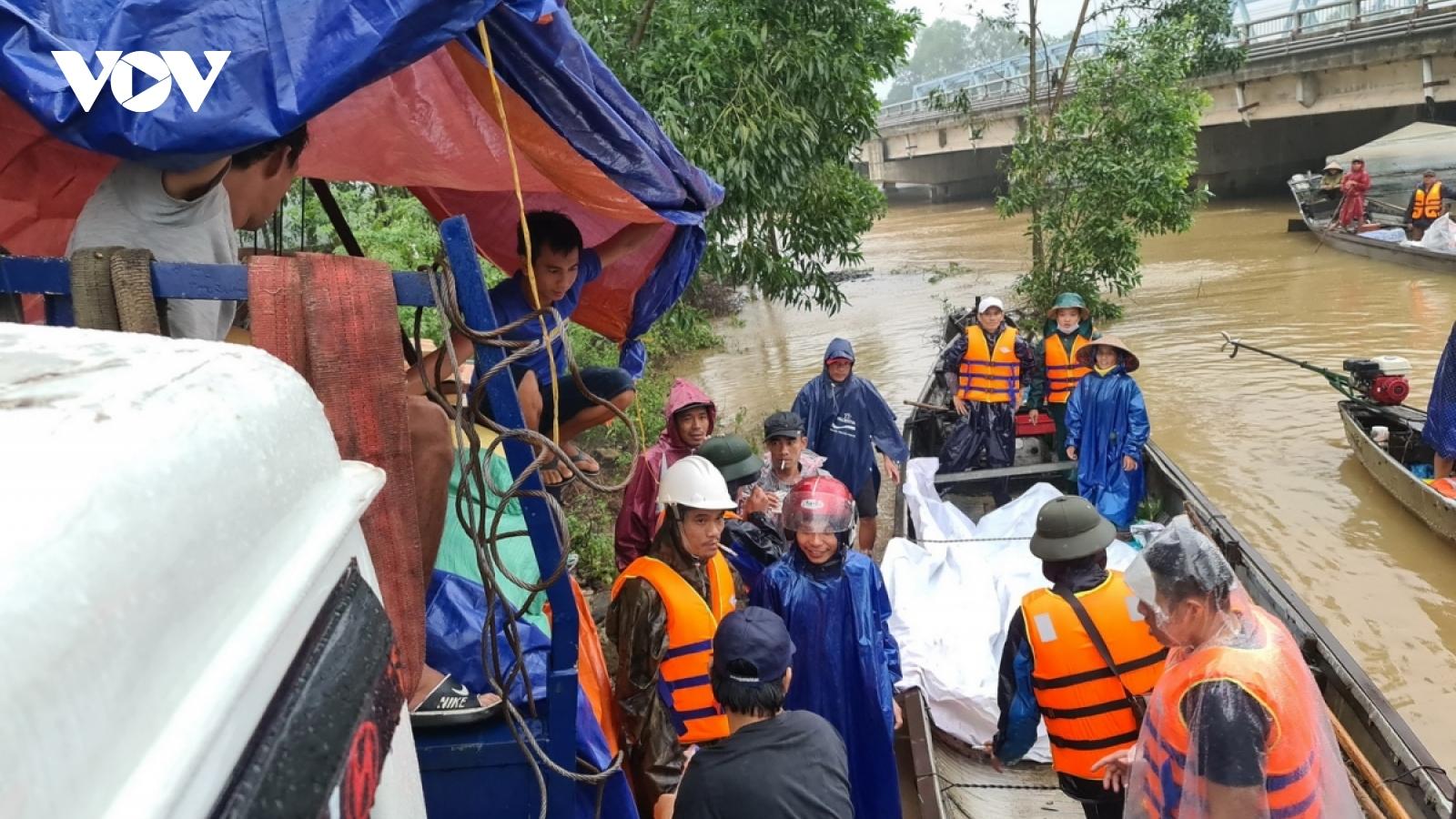 Tỉnh Quảng Nam tiếp nhận 6 tỷ đồng ủng hộ người dân vùng lũ