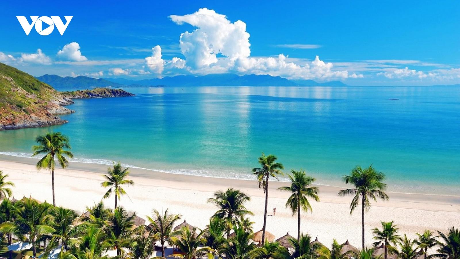 Phát triểndu lịch biển, đảo: Điểm nhấn trong thực hiện Nghị quyết ở Quảng Ngãi