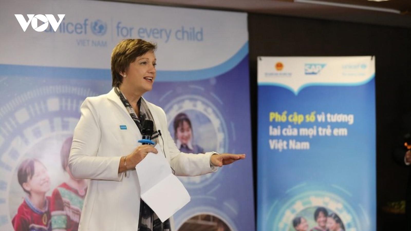 Trưởng Đại diện UNICEF tại VN: Việt Nam đang đi đầu trong chuyển đổi số giáo dục