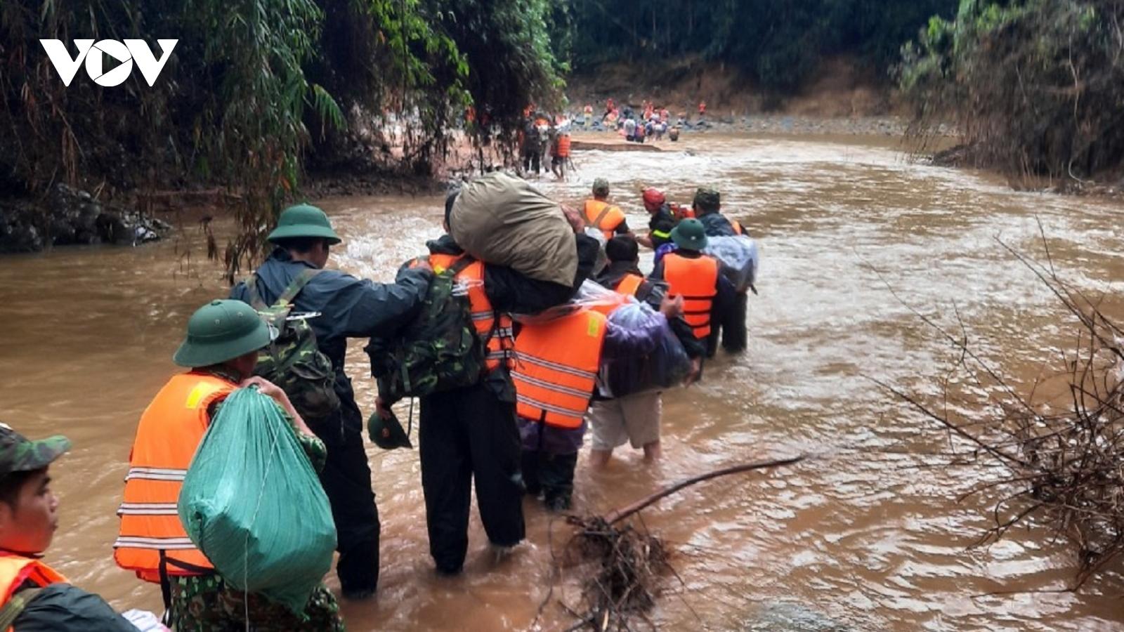 Lần thứ 3 tạm dừng tìm kiếm nạn nhân mất tích ở Rào Trăng 3 do thời tiết bất lợi