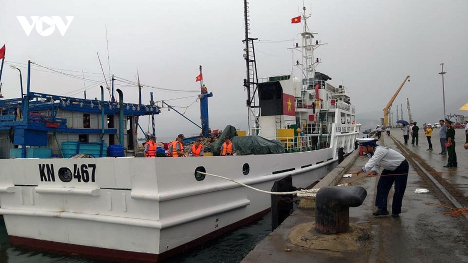 Ngư dân tàu cá gặp nạn kể lại giây phút sinh tử do ảnh hưởng bão số 9