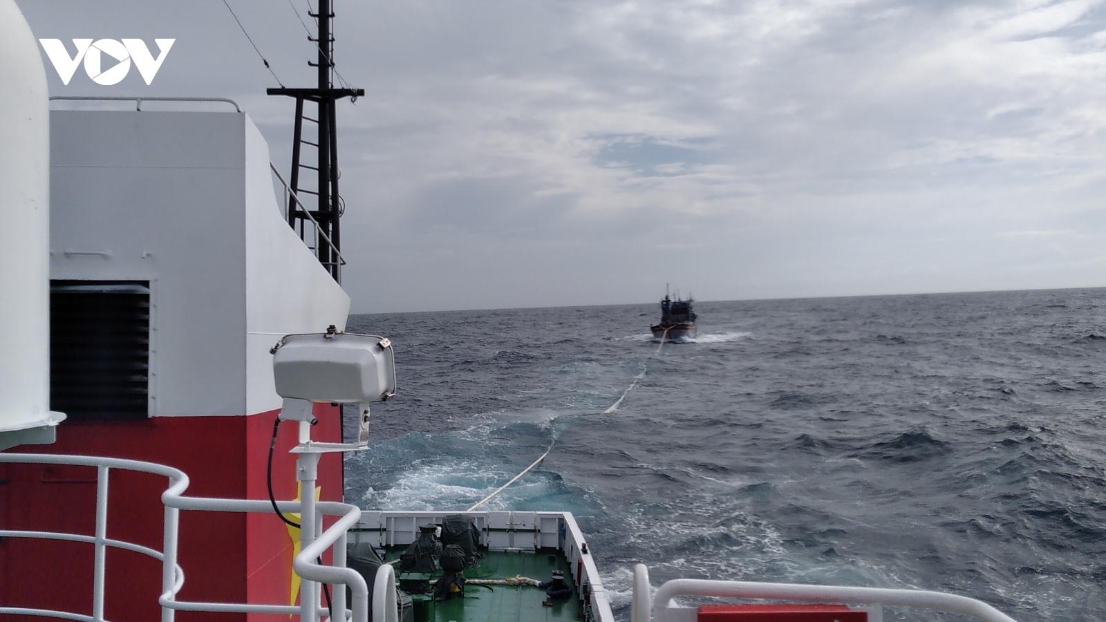 Tiếp tục điều tàu Kiểm ngư tìm kiếm tàu cá Bình Định gặp nạn