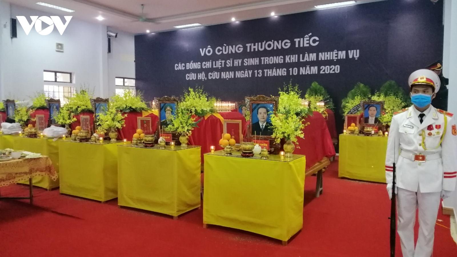Xúc động Lễ viếng và truy điệu 13 liệt sĩ hy sinh khi tìm kiếm cứu nạn tại Rào Trăng 3