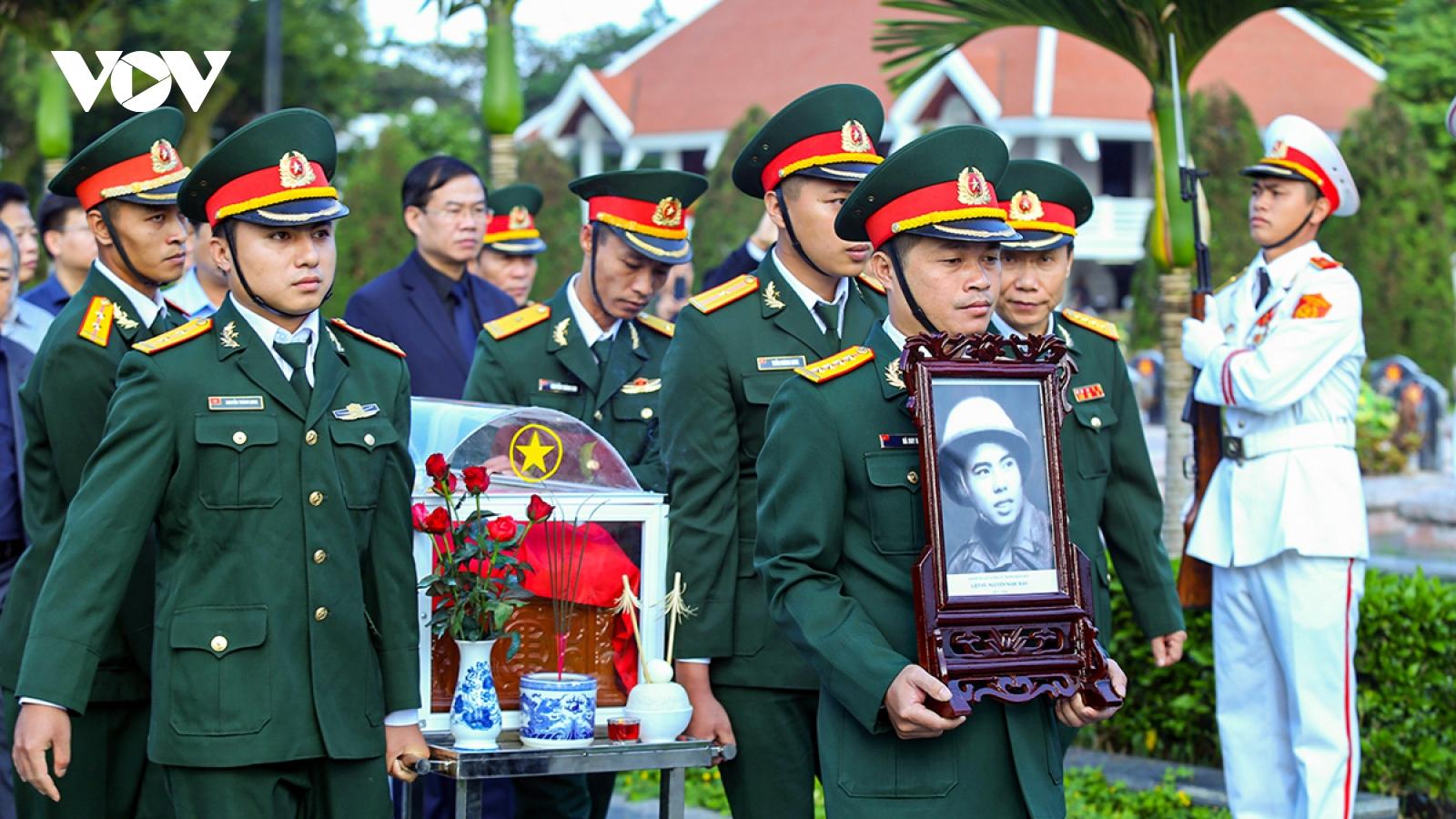 Truy điệu, an táng Anh hùng LLVT nhân dân, liệt sỹ Nguyễn Ngọc Bảo