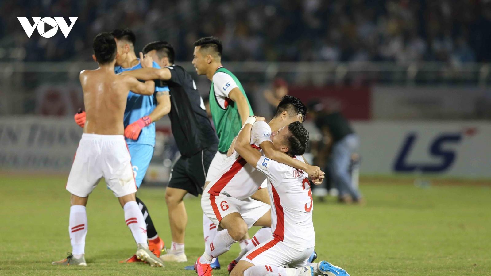 VIDEO: Màn ăn mừng vô địch V-League 2020 gây xúc động của Viettel
