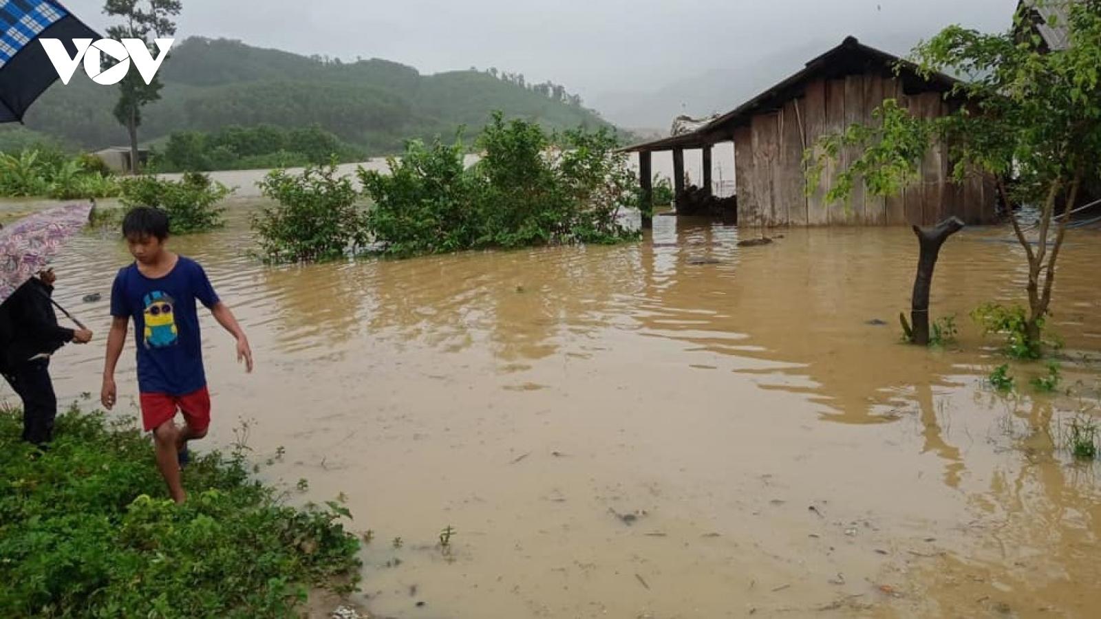 Hàng nghìn dân lòng hồ Krông Pách thượng trong tình thế hiểm nguy