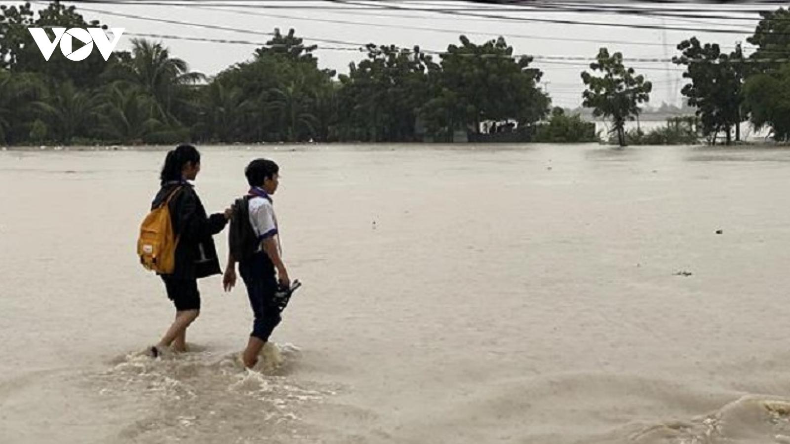 Nhiều vùng ở Ninh Thuận ngập lụt do mưa lớn