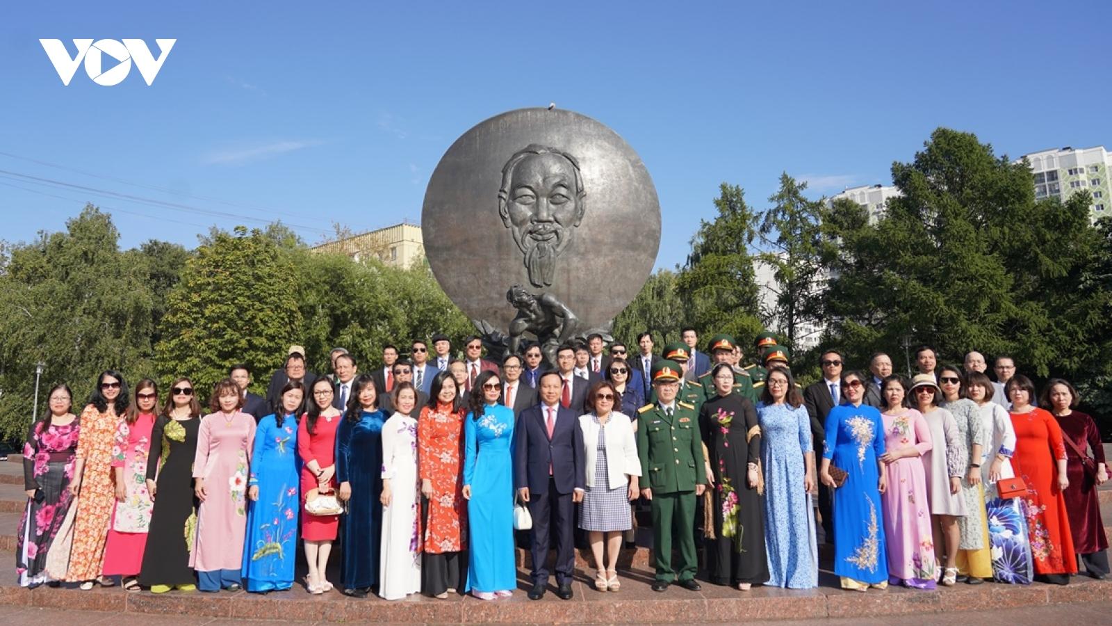 Người Việt tại Nga mong muốn được đóng góp nhiều hơn vào xây dựng đất nước