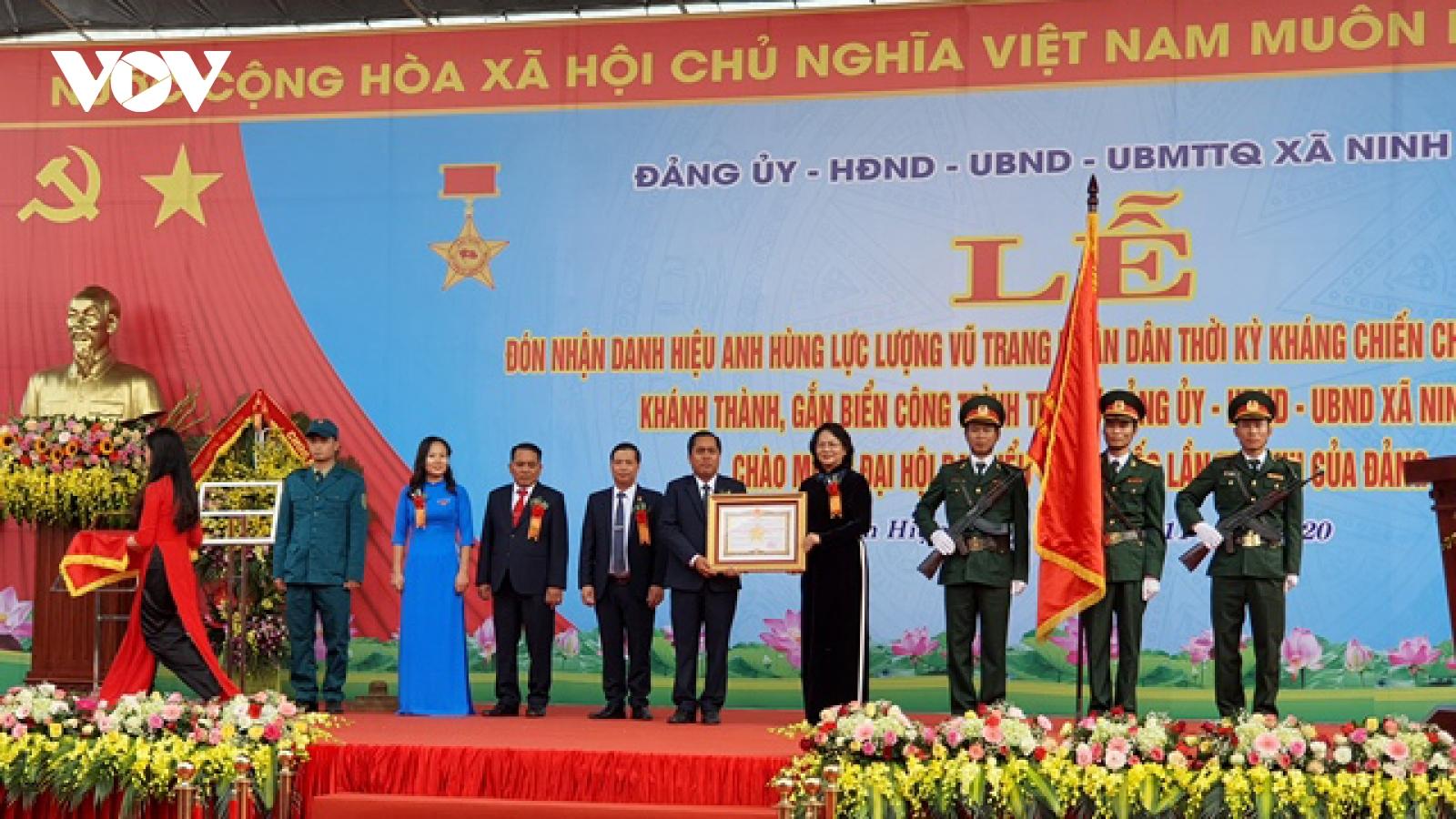 Phó Chủ tịch nước dự lễ đón nhận danh hiệu anh hùng lực lượng vũ trang xã Ninh Hiệp
