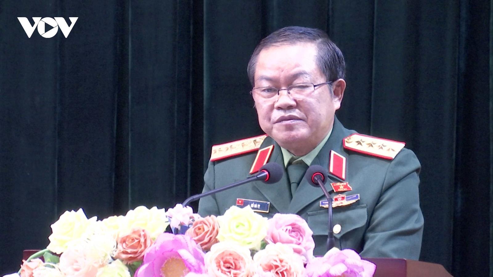 Phó Chủ tịch Quốc hội Đỗ Bá Tỵ tiếp xúc cử tri tại Lào Cai