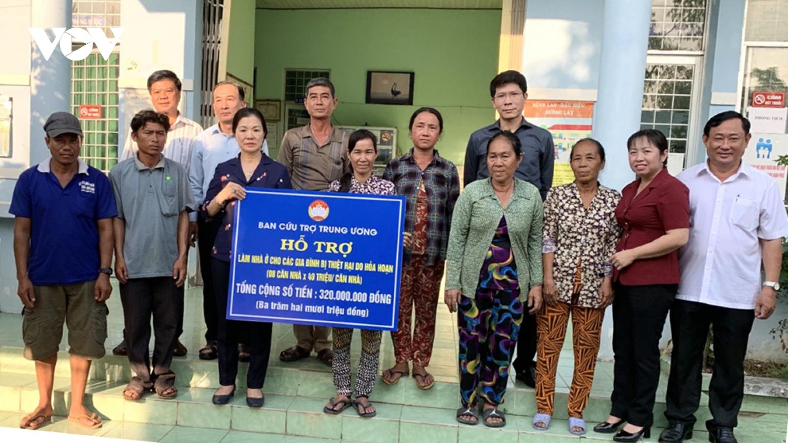 Hỗ trợ xây nhà mới cho 8 hộ dân có nhà bị cháy ở Châu Đốc, An Giang