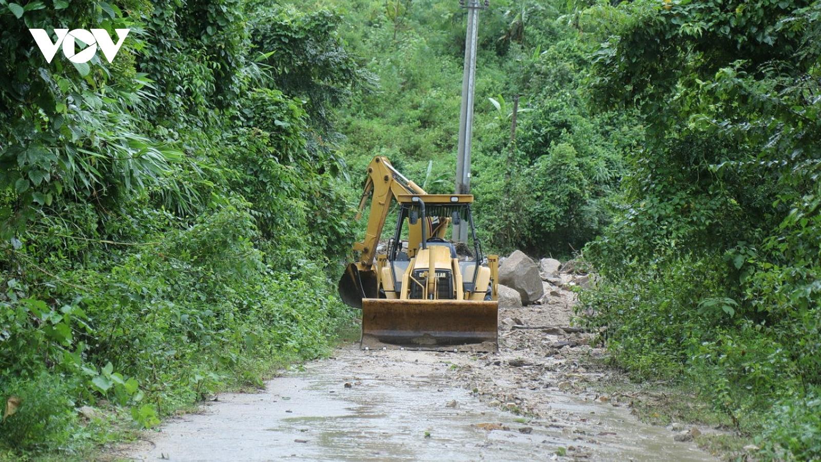 Bình Định nhanh chóng khôi phục giao thông các huyện miền núi