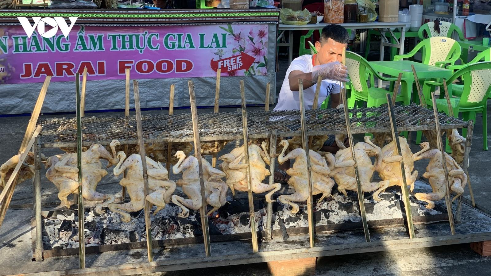"""""""Ẩm thực vùng Bazan"""" giới thiệu văn hoá ẩm thực bản địa Tây Nguyên"""