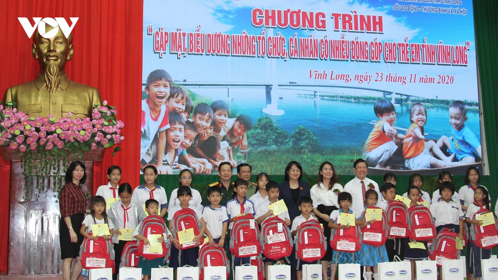 Hơn 60 tỷ đồng được đóng góp cho trẻ em tỉnh Vĩnh Long