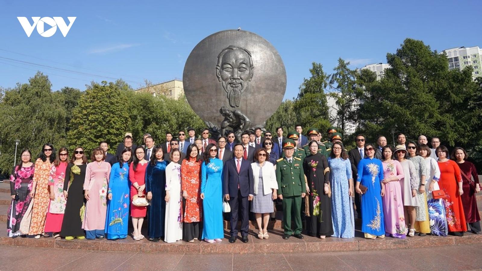 Người Việt tại Nga mong muốn đóng góp xây dựng đất nước nhiều hơn